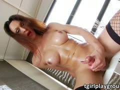 Ana Hickiman shows off and masturbates