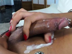 Ebony shemale cumming while wanking